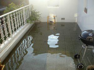 Απόφραξη υδρορροής βεράντας